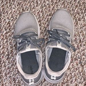 Adidas cloudfoam sneakers size 10